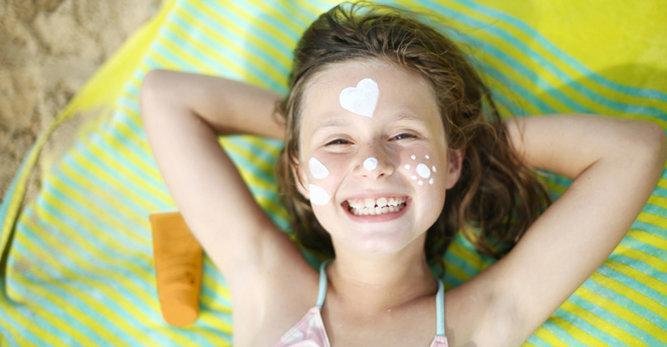 Leer kinderen het belang van zonbescherming