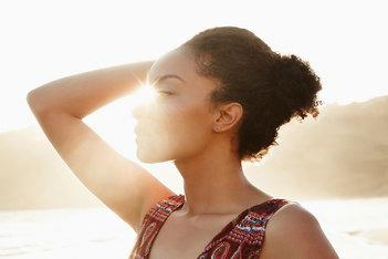 Deodorants: Tips om de hele dag fris te blijven, zonder kleding te beschadigden