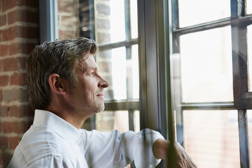 4 tips om haaruitval bij mannen tegen te gaan