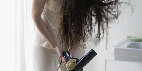 Te heet douchen: kan het je haar beschadigen?