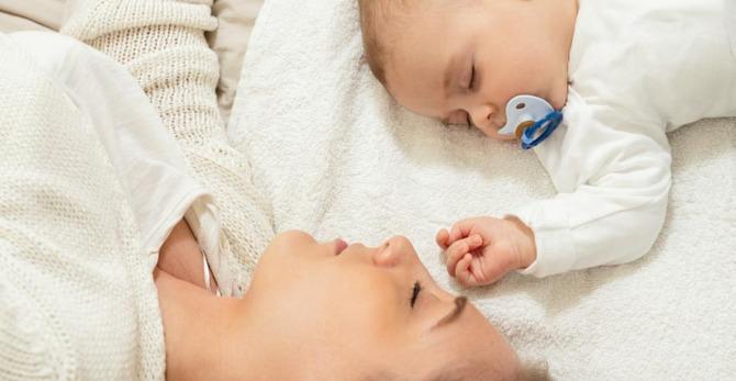 Hoe kan je vlekjes op de huid voorkomen en je stralende gloed behouden na de zwangerschap?
