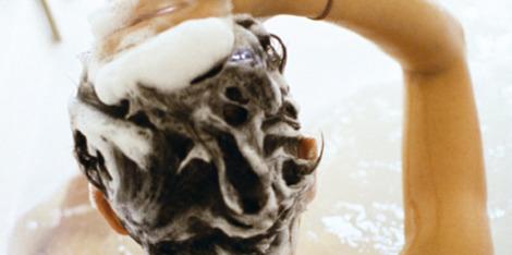 Haarverlies en minder volume: wat is de juiste shampoo tegen haaruitval?