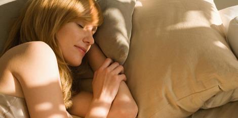 Wat gebeurt er met de huid als we slapen?