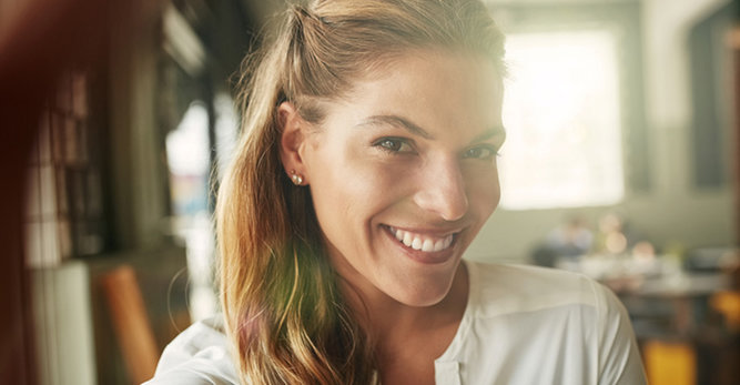 Huidveroudering: wanneer onze levenswijze de kwaliteit van de huid beïnvloedt