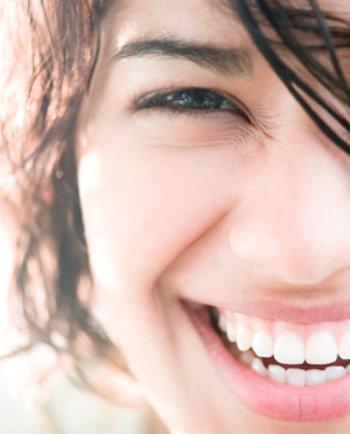 Tegen onzuiverheden - Volwassen vrouw met acne