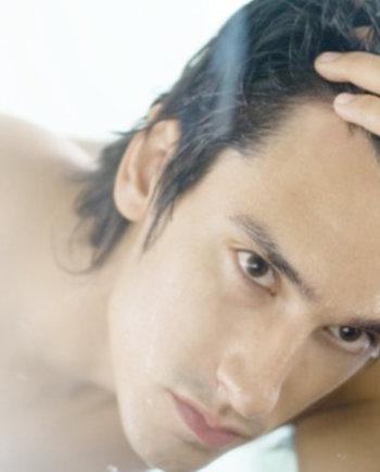 Kapsels voor kalende mannen: hoe je er geweldig uit kunt zien met minder haar