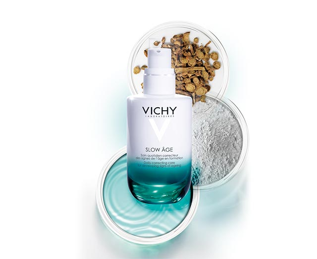 Lichte fluide tegen opkomende tekenen van huidveroudering.